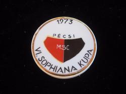 Pécsi  PMSC   plakett ,  átm 60 mm  hollóházi  porcelánból