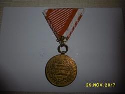 Bronz Ferenc József Vitézségi mellszalaggal