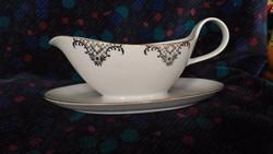 Porcelán szószos, mártás vagy tejszínes kiöntő