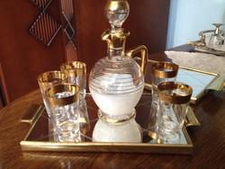 Bohémia üveg(Cseh)  likőrös/pálinkás poharak( 5 db),  hozzáillő kiöntővel