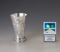 Ezüst barokk stílusú pohár