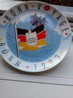 Rosenthal BONN VOYAGE 1993 kicsit vicces souvenir fali tányér német zászlóval és sassal 19,5 cm