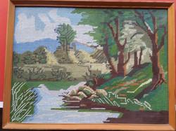 Gobelin kép  patak parti táj,egyszerű üvegezett keretben,kézimunka,mérete:40cmX30cm,
