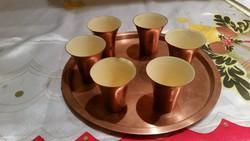 Réz tálcán réz porcelánbevonatos réz kupicák, italos poharak eladók