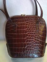 Valódi bőr antik kézműves tajték színű női válltáska