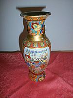 Keleti kézzel díszített váza