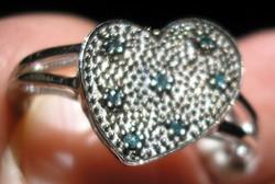 925 ezüst gyűrű, 18,3/57,5 mm, kék gyémánt szív alak