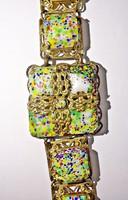 Aranyozott kidolgozott sokszínű sok köves karlánc