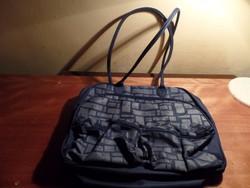 Avon  táska