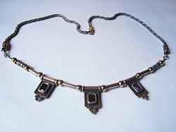 Izraeli kézműves ezüst nyakék 9k arany golyókkal és ametiszttel