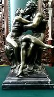 Szerelmes pár bronz szobor