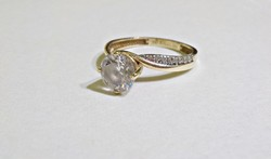 Csodás 14 k. arany gyűrű rengeteg kővel 53 -54 -es  méret