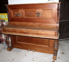 Régi, dekoratív pianínó eladó