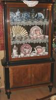 Antik vitrin és tálaló