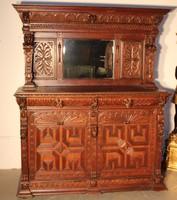 Különleges antik,reneszánsz,dúsan faragott tálaló az 1800-as évekből!