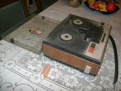 Retro Junoszty - orosz szalagos magnó, magnetofon