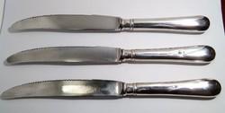 Antik, szép állapotú, mesterjeles, jelzett 800-as finomságú ezüst nyelű kés, evőeszköz.