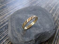 NŐI ARANYGYŰRŰ, arany gyűrű, karikagyűrű 58-59-es méret, 14 karátos,1,9 gramm