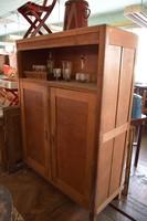 Ipari, loft stílusú keményfa szekrény
