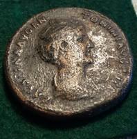 Nagyon ritka Faustina Augusta sestertius. 22,1 g. 32 mm.