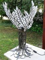 Fehér fa asztali lámpa ólomüvegből