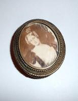 Antik fotóval díszített trébelt szelence dobozka