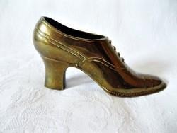 Gyönyörű réz női cipő vitrindísz