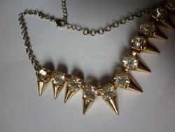 Tűzaranyozott nyakék, gyémánt csiszolású kövekkel