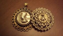 2db.antik csipkés, fém foglalatba rögzített,gyöngyház lapon kidomborodó, figurális dísz.