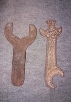 2 db Antik nagyméretű szerszámkulcsok 25 cm !