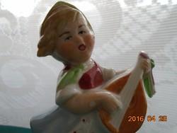 Mandolinon éneklő kislány,antik német számozott  porcelán figura 12 cm