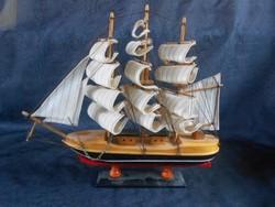 Híres hajók.19.századi hajó makettje fából.Vitorla vászon.