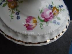 Angol CROWN  FINE BONE CHINA rózsa-tulipán-ibolya csokros dombormintás  gyertyatartó