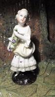 Meisseni (?) porcelán lányka