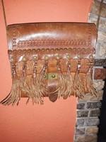 Női vadász bőr táska.