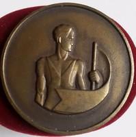 Közgazdász Egyetemi Athletikai Club 1923, kétoldalas,vert,ezüstözött bronz díj érem, mérete :41mm