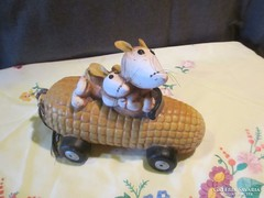 Kerámia kukorica autó egerekkel  A037