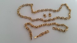 Aranyszínű köves ékszerszett eladó!