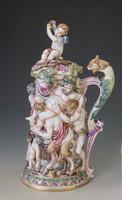 Nápoly, Capodimonte figurális kupa