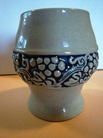 Kék mázas kerámia borospohár