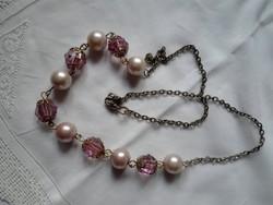 Bizsu lánc rózsaszínű gyöngyökkel
