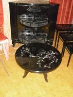 Fekete Lakk Bárszekrény Asztalokkal