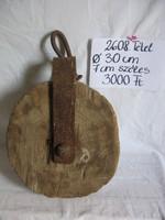 Régi nagy fából készült emelőcsiga, loft / ipari stílus kedvelőknek dekoràció vagy làmpa alapanyag