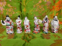 6 darab kézzel festett keleti porcelán figura.