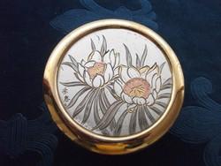 Kézzel festett aranyozott és ezüstözött virág mintákkal szignós, címkés japán bonbonier  9,5x4,5 cm