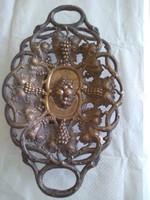 Antik bronz gyümölcskínáló.