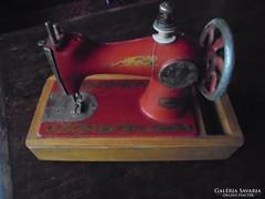 Retro játék varrógép