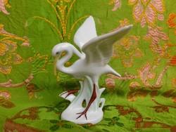 Szép porcelán madár.