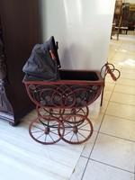 Antik babakocsi