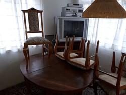 Neo barokk ebédlőasztal (155X120 cm) és hozzátartozó 5 szék.